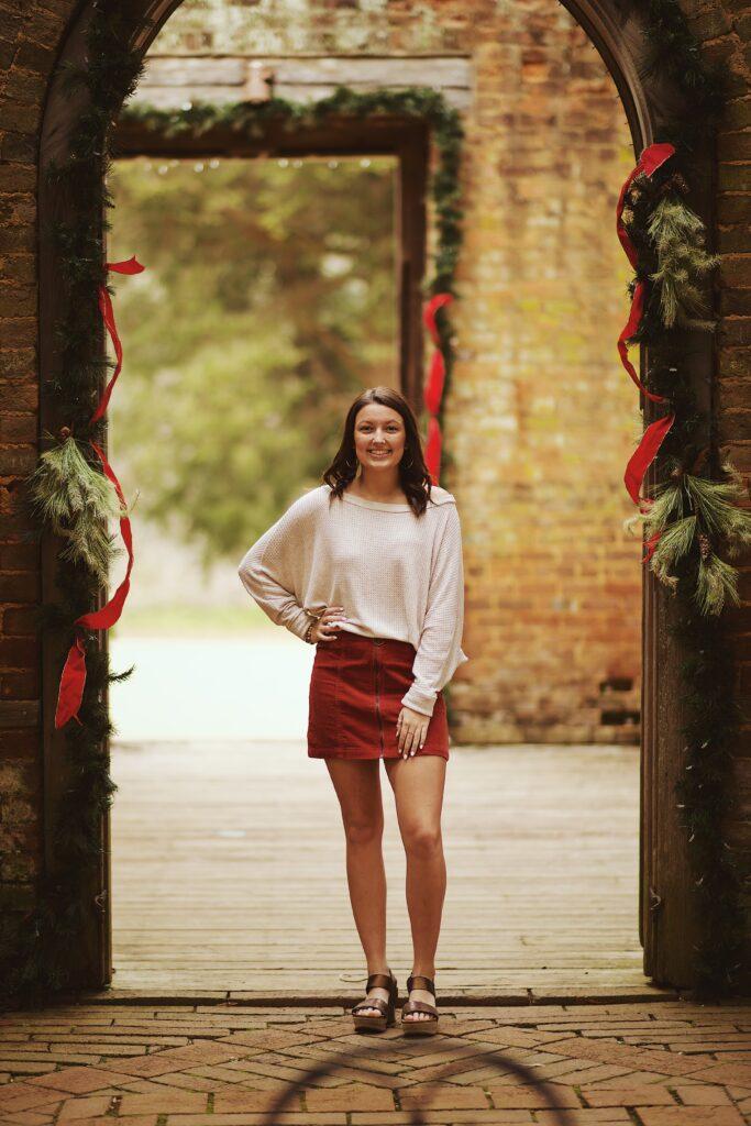 Sy in midjan på kjol för en passande look