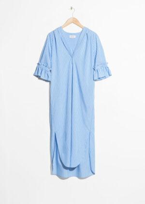 Elegant blå långklänning.