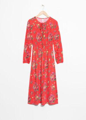 Röd långklänning till billigt pris.