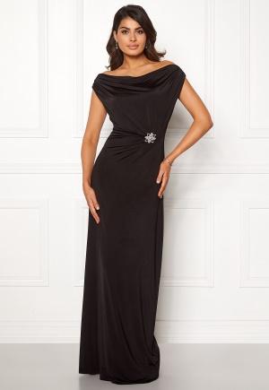 Elegant svart urringad klänning från Chiara Forthi med urringning.