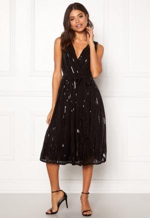 Söt svart omlottklänning från Goddiva med dragkedja.