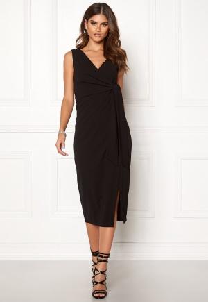 Riktigt snygg svart midiklänning från Make Way med dragkedja.