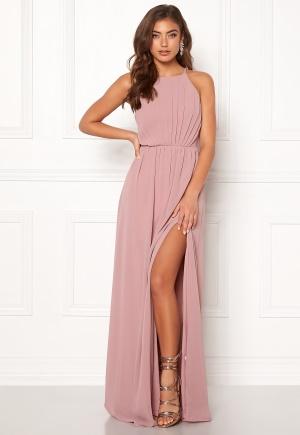 Fabulös rosa klänning med axelband från Make Way med knappar.