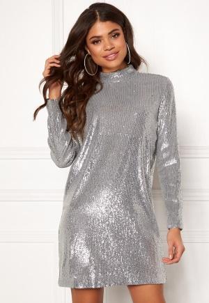 Cool silver kort klänning från Samsøe & Samsøe.