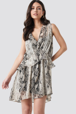 NA-KD Trend Snake printed Short Chiffon Dress - Grey