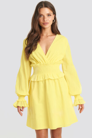 Julia Wieniawa x NA-KD Smocked Detailed Mini Dress - Yellow