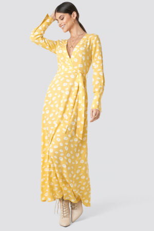 Milena Karl x NA-KD Deep V-neck Maxi Dress - Yellow