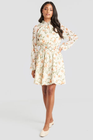 NA-KD Boho Flower Print Smock Detail Dress - White