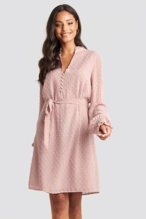 NA-KD Klänning Med Volanger - Pink