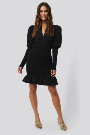 NA-KD Party Smocked LS Puff Sleeve Dress - Black