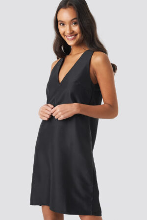 NA-KD Party Straight V-Neck Mini Dress - Black