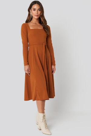 NA-KD Trend Tied Waist Square Neck Dress - Brown