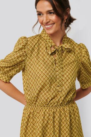 Trendyol Klänning Med Puffärm - Yellow