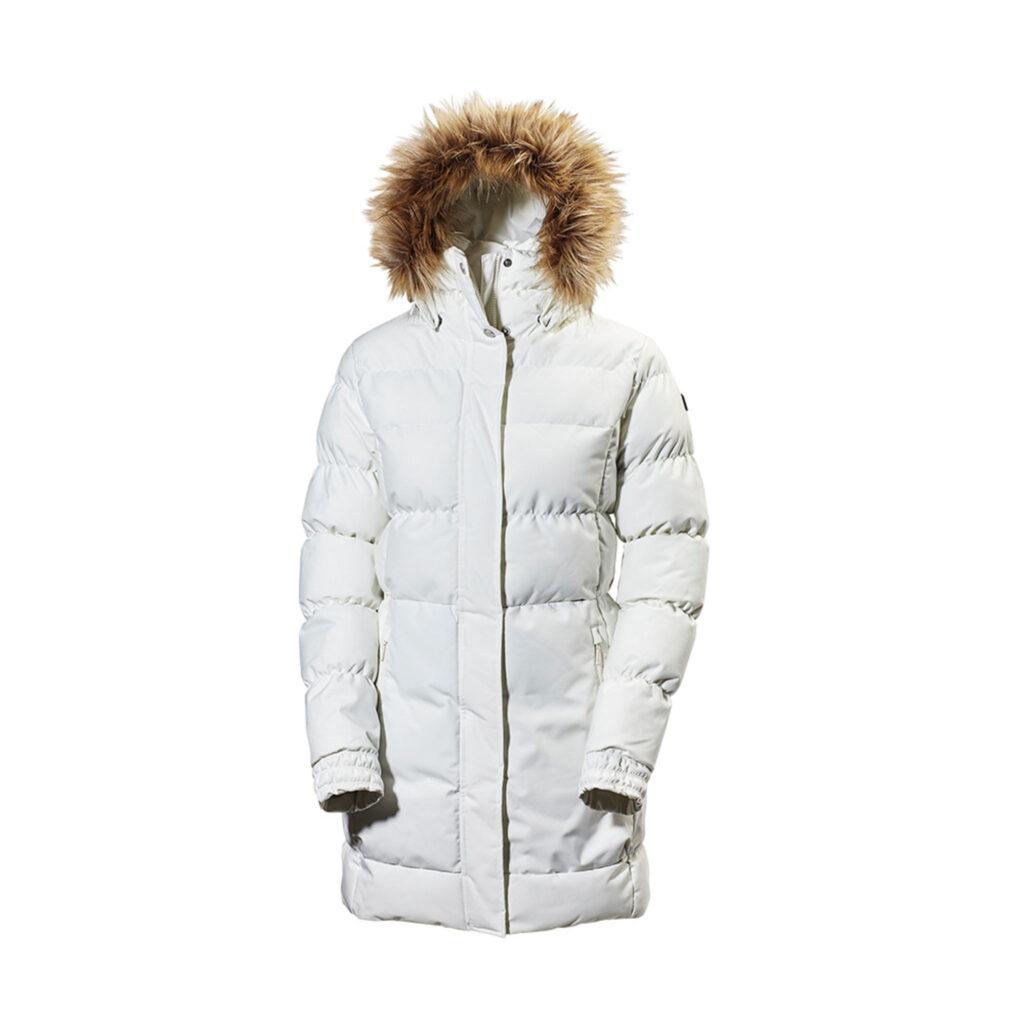 Fodrad vit vinterparka med brun pälskrage.