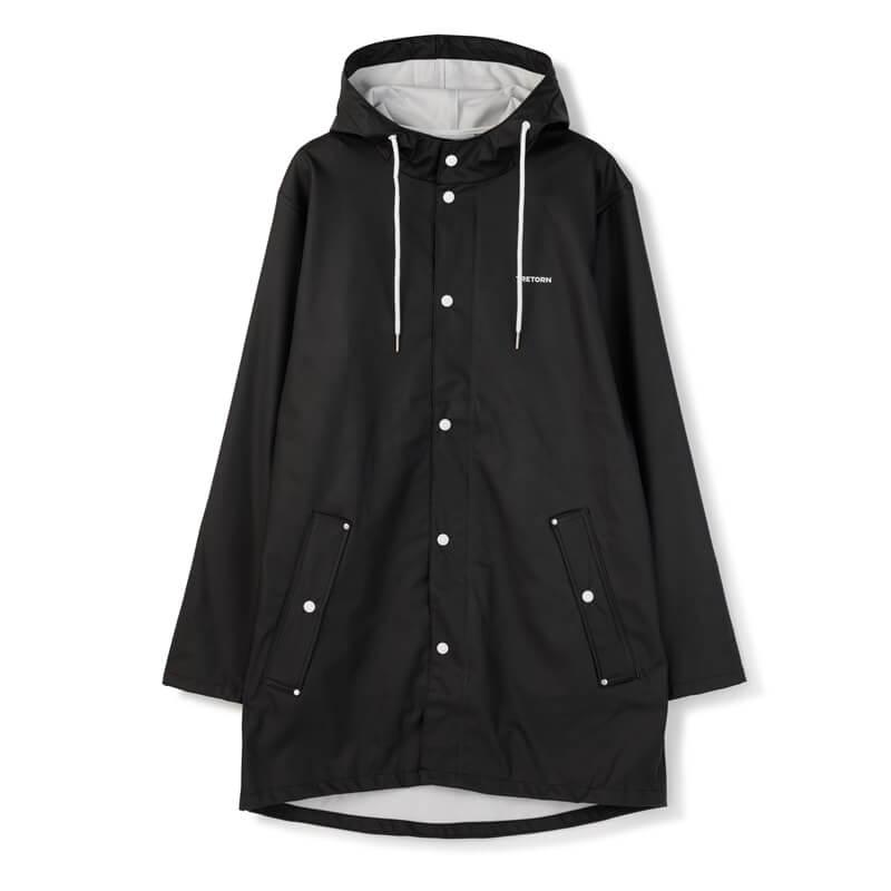 En klassisk svart regnkappa från Tretorn.