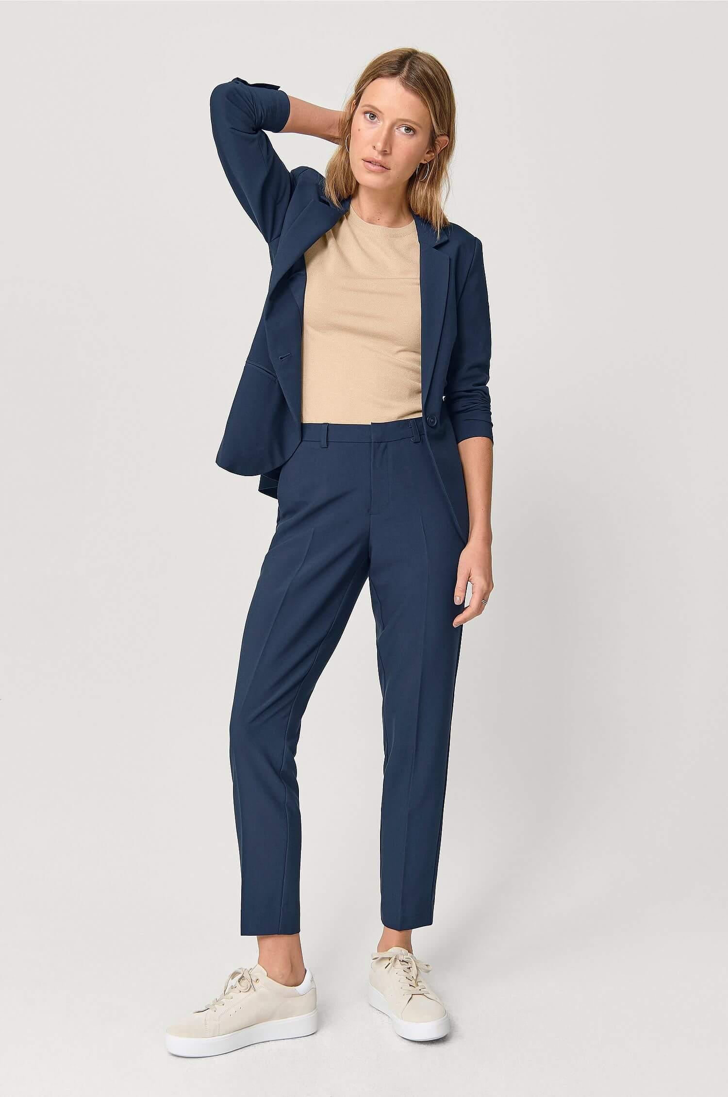 Kostym kvinna 23 kostymer för dam till bröllop och fest 2020