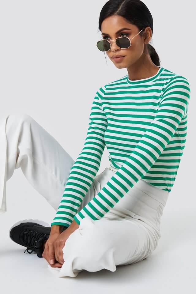 Randig tröja med gröna ränder