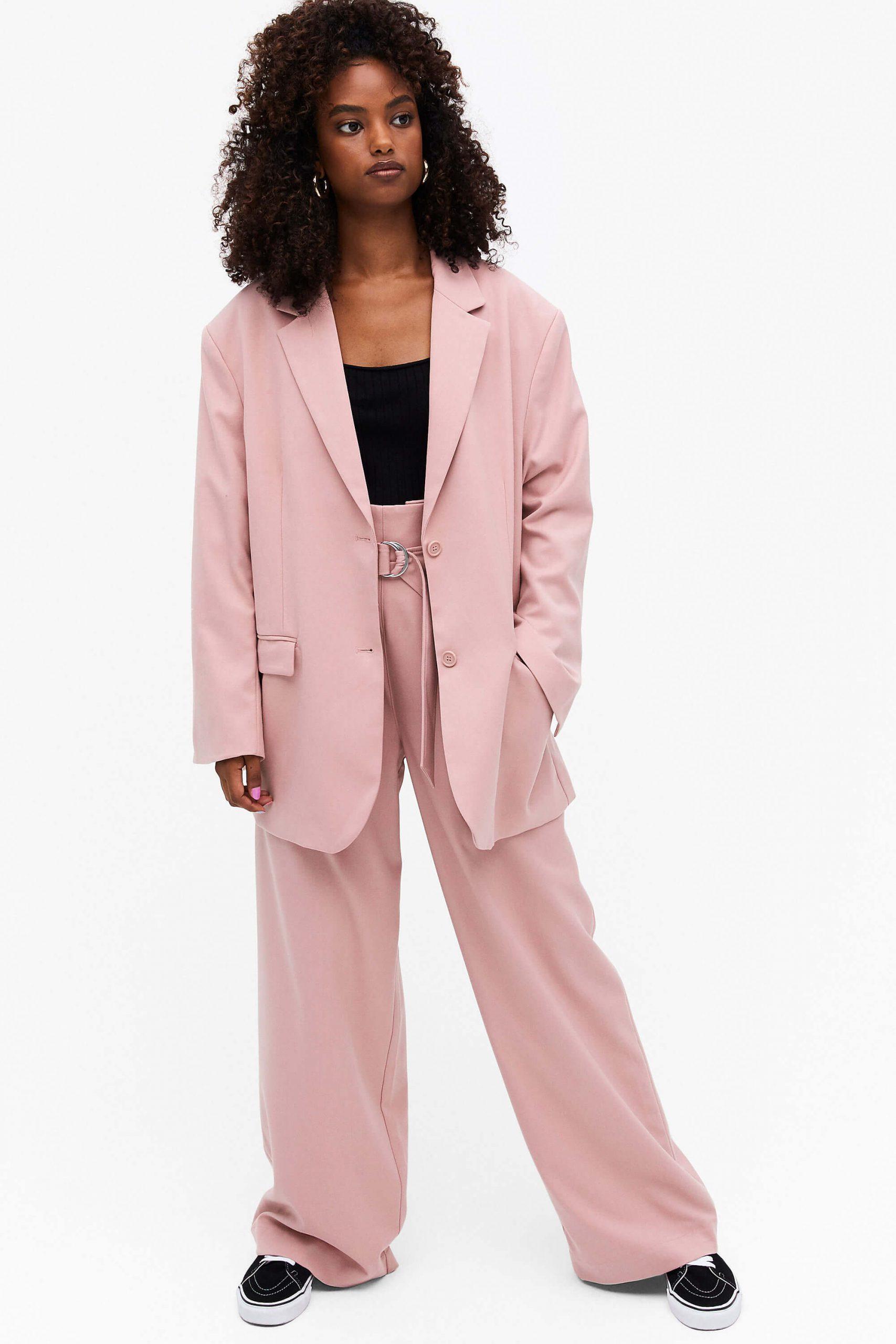 Rosa kostym kvinna oversized