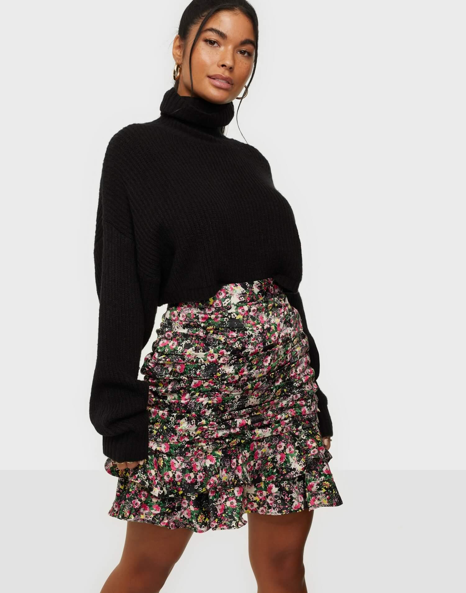 En mönstrad minikjol från Vero Moda.