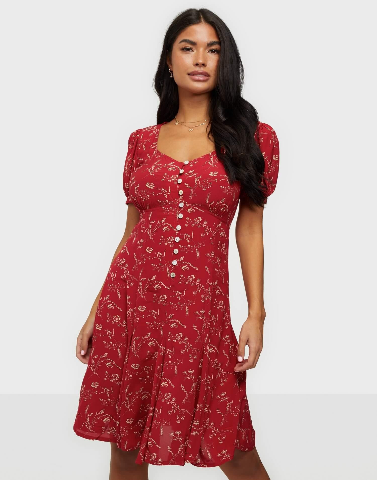 V-ringad röd mönstrad klänning i vintage-stil från Polo Ralph Lauren.