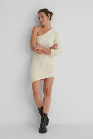 Andrea Badendyck x NA-KD Stickad Miniklänning - Offwhite