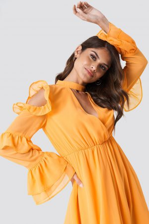 Andrea Hedenstedt x NA-KD Cold Shoulder Flounce Maxi Dress - Orange