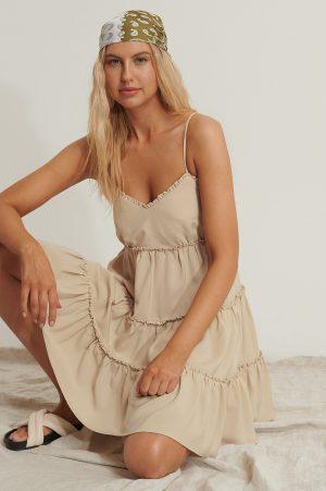Anika Teller x NA-KD Vid Miniklänning - Beige