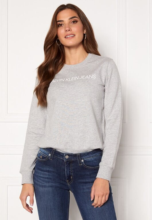 En grå tröja från Calvin Klein Jeans.