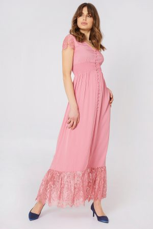 Debiflue x NA-KD Buttoned Maxi Lace Dress - Pink