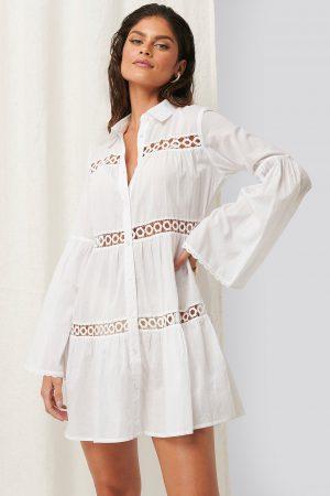 Erica Kvam x NA-KD Miniskjortklänning - White