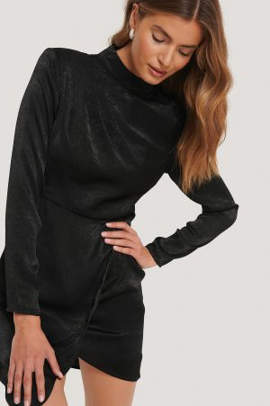 Gine Margrethe x NA-KD Asymmetrisk Miniklänning - Black
