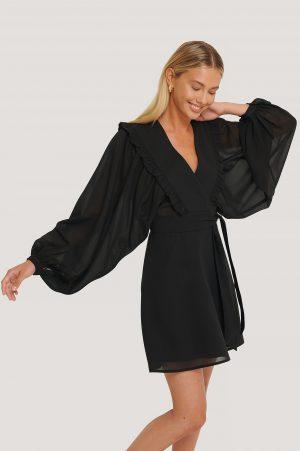 Misslisibell x NA-KD Miniklänning I Omlottmodell Med Puffärmar - Black