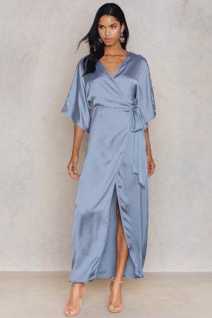 Hannalicious x NA-KD Kimono Mid Sleeve Maxi Dress - Blue