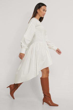 NA-KD Trend Asymmetrisk Skjortklänning - White