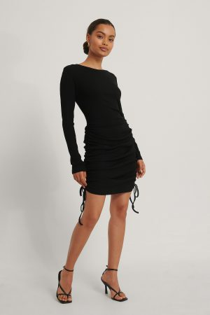 NA-KD Trend Miniklänning Med Dragsko - Black