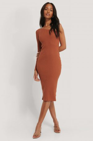 NA-KD Trend One Shoulder Ribbed Midi Dress - Brown