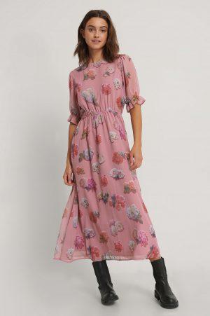 NA-KD Trend Kortärmad Chiffongklänning Med Blommigt Tryck - Pink