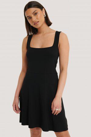 NA-KD Basic Ärmlös Miniklänning Med Fyrkantig Halsringning - Black