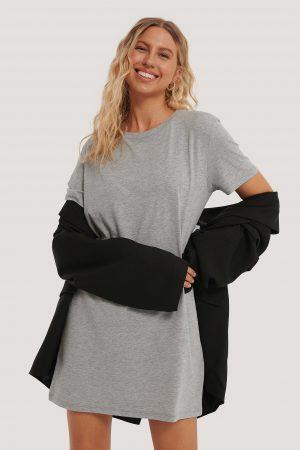 NA-KD Basic T-Shirtklänning - Grey