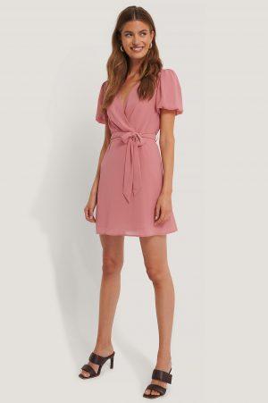 NA-KD Boho Chiffongklänning Med Knytning I Midjan - Pink
