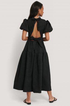 NA-KD Boho Tie Back Flower Structured Dress - Black