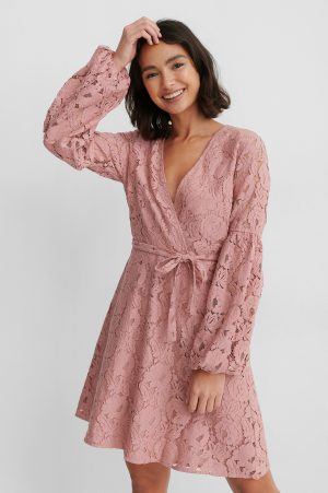 NA-KD Boho Spetsklänning Med Midjebälte - Pink