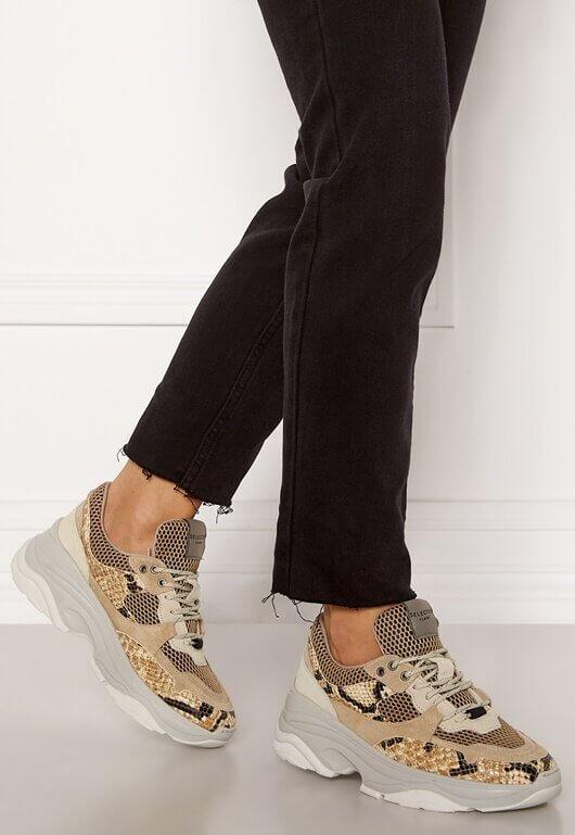 Sneakers i äkta läder från Selected Femme.