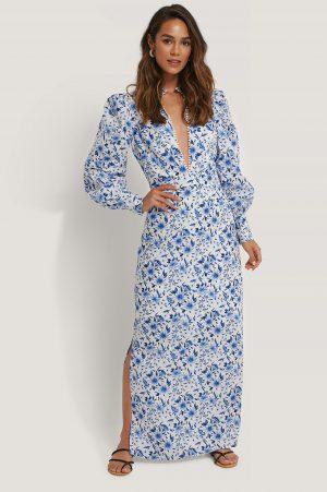 Selma Omari x NA-KD Blommig Maxiklänning Med Djup V-Ringning - Blue