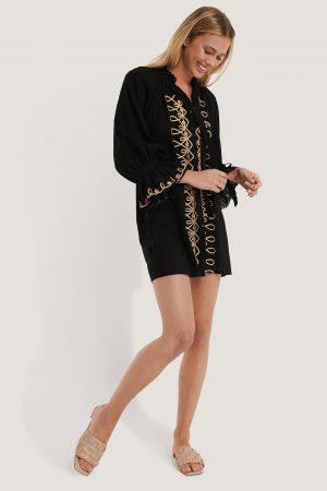 Trendyol Broderad Miniklänning - Black