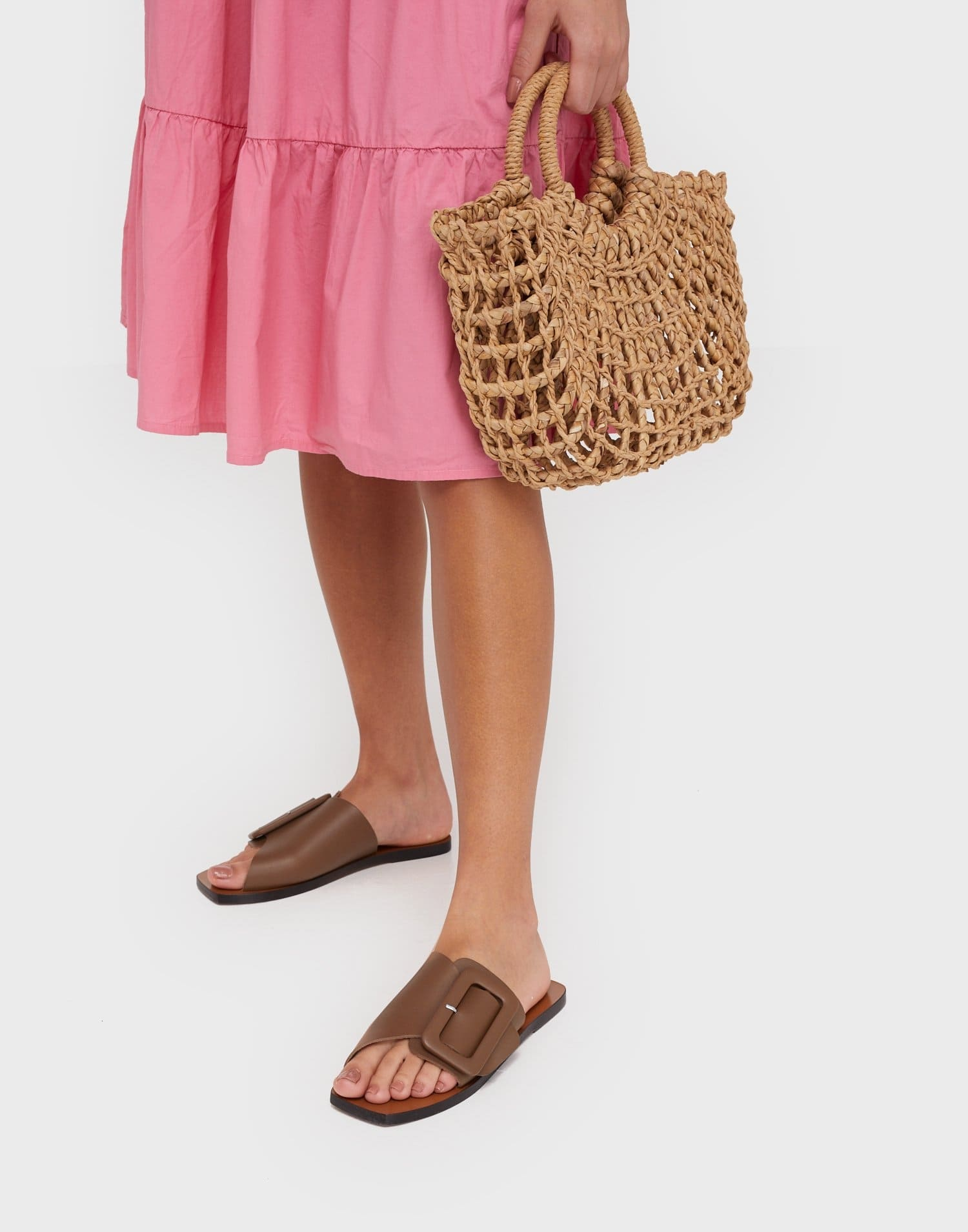 Bruna låga sandaler för dam