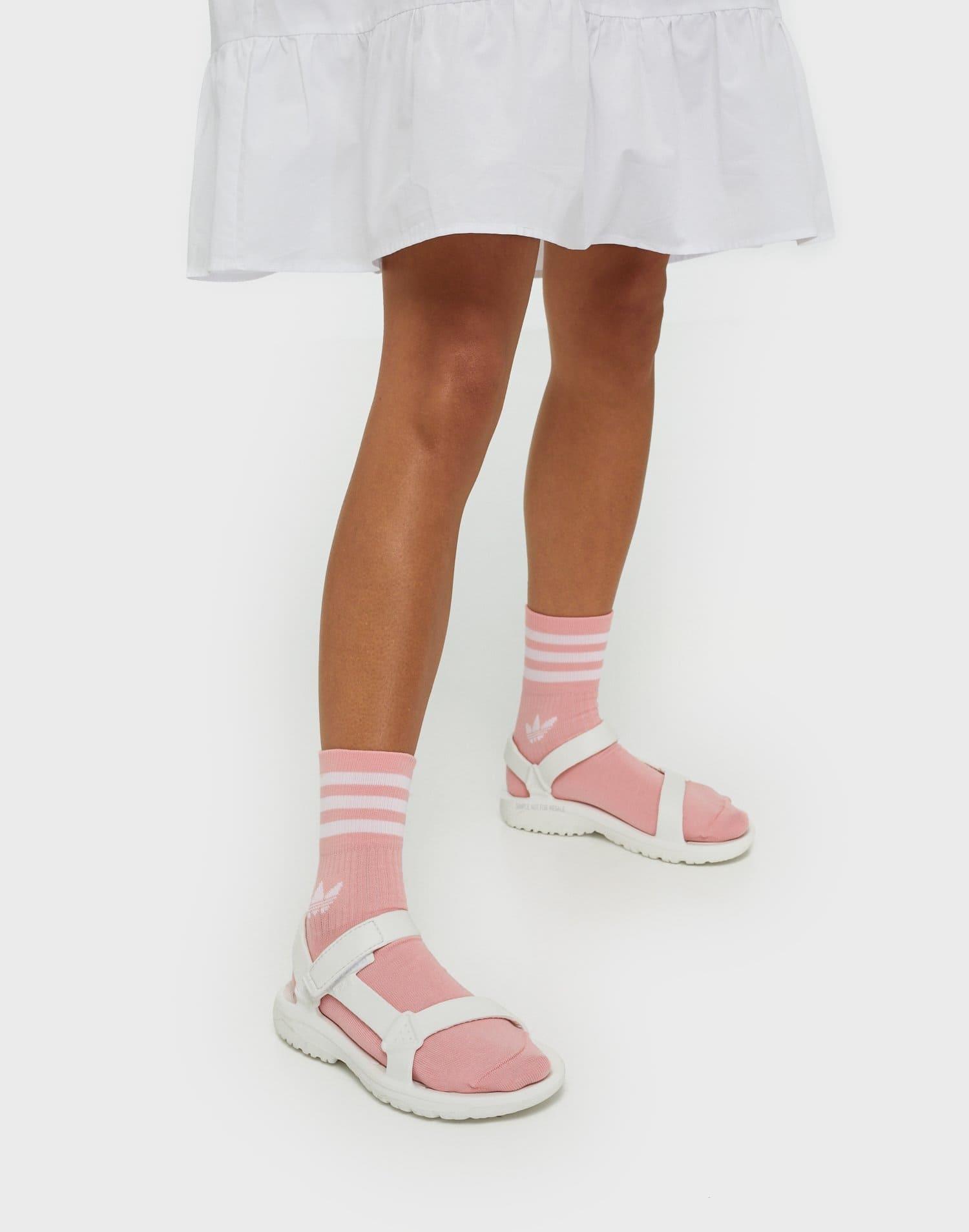 Vita bekväma sandaler för dam 2021