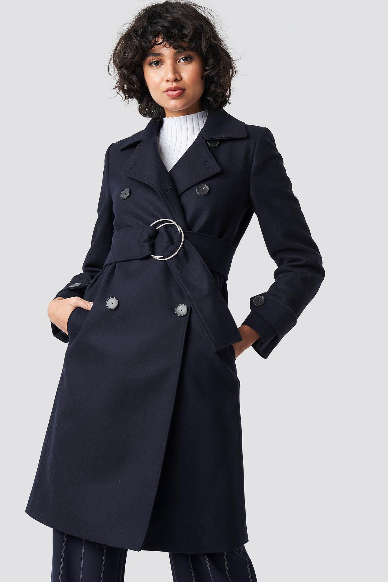 En blå kappa från Mango.