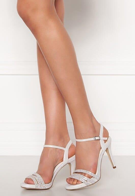 Vita sandaler med klack för dam 2021