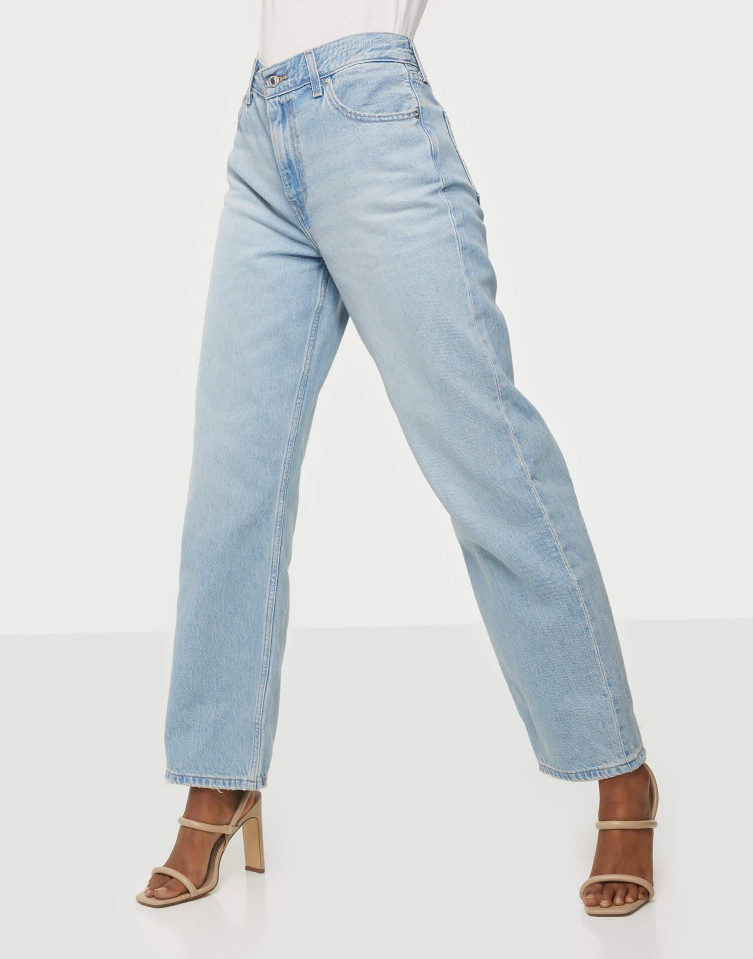 Blåa jeans från Levi's i loose straight fit.